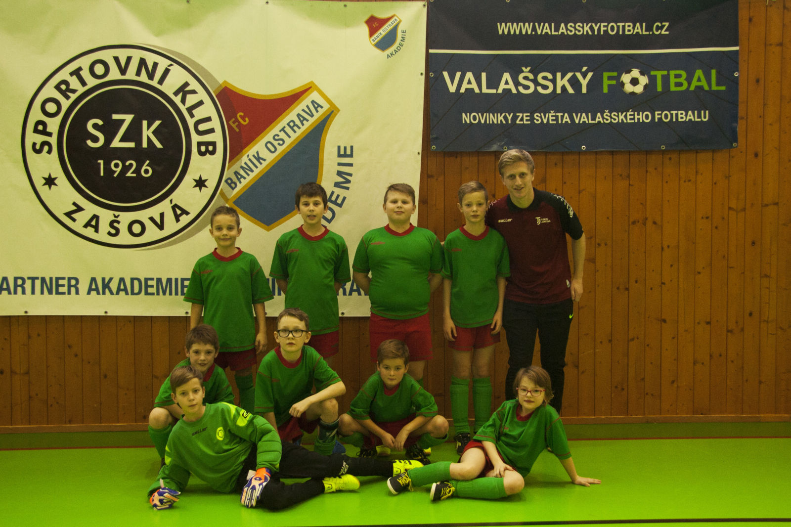 2018 jsme se s kluky a naší (pro tento turnaj) jedinou holkou Terezkou  zúčastnili halového turnaje VFA při SK Zašová 1926 (VFA – Valašská  Fotbalová ... 26f78fd55d